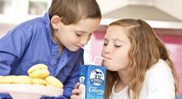 Sữa Devondale nội địa Úc hộp 200ml - Tiện lợi khi sử dụng